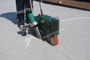 Укладка полимерной ПВХ мембраны по стяжке или бетону